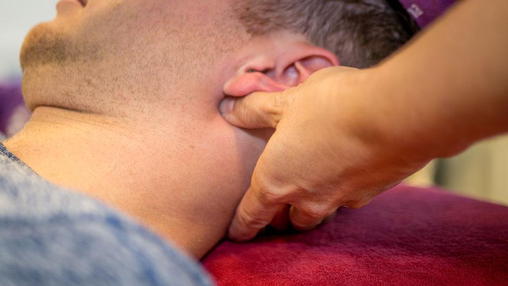 hoofdpijnklachte-fysiotherapie-fysio-roode-four2go-berghem