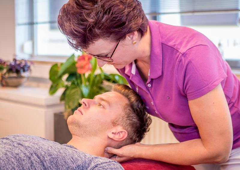 nekklachten-fysiotherapie-fysio-roode-four2go-berghem